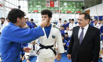 Başkan Demir'den milli judoculara baklava