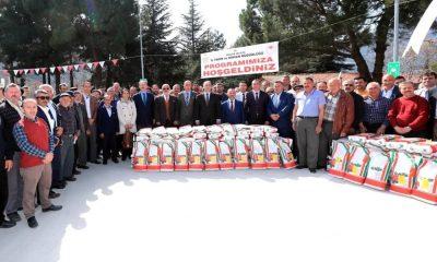 Amasya çiftçisine yonca tohumu desteği