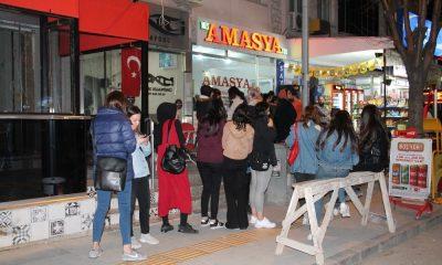 Amasya'da otobüs yazıhanelerinde bilet kuyruğu