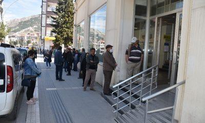Amasya'da polisten 65 yaş üstü vatandaşa uyarı