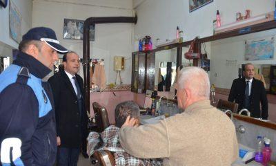 Boyabat Belediyesi zabıta ekipleri berberleri bilgilendirdi