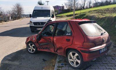 Samsun'da öğrenci servisi otomobille çarpıştı: 4 yaralı