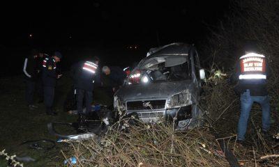 Samsun'da ticari araç ağaca çarptı: 1 ölü, 2 yaralı