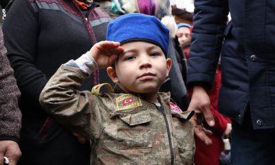 """Şehidin 4 yaşındaki yeğeni: """"Dayım şehit oldu, vatan sağ olsun"""""""