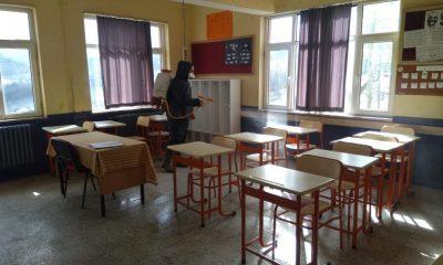 Türkeli'deki okullar dezenfekte edildi